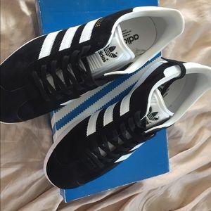 Adidas Gazelle Shoes size 9